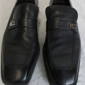 Gucci black men's shoes. size 8.5 pre owned